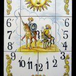 reloj de sol en cerámica azulejos
